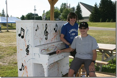 Piano in Cochrane