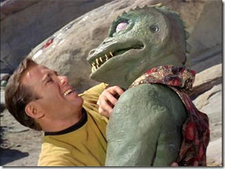 Kirk fights a Gorn